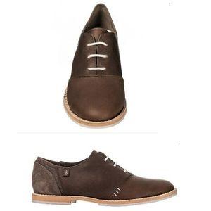 🎈Ahnu Brown Oxford Leather Shoes, EUC, Sz8
